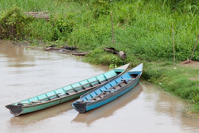 Peka-peka boats along the river