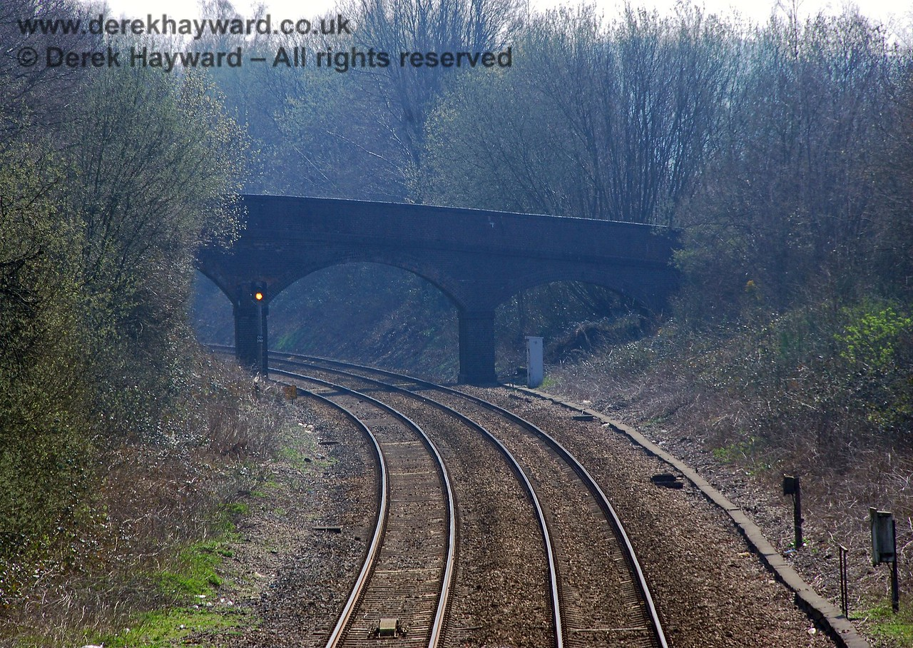 A second view of the bridge showing the distant signal that protects the entry to the single track section through Eridge station. 02.04.2007