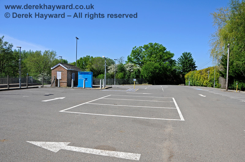 For those who can remember the old buildings at Ashurst Station, this soulless, much enlarged, car park is an awful sight.  At the time of the visit it was, however, totally empty, the parking charges and ANPR cameras perhaps contributing to the absence of custom. 30.05.2021 20783