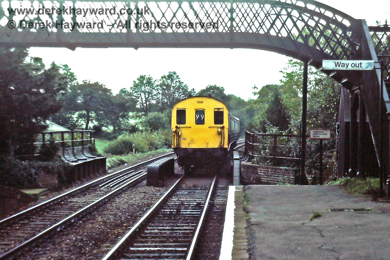 1106 enters Buxted with the 09 10 ex Uckfield, Sat  8 10 1983 E