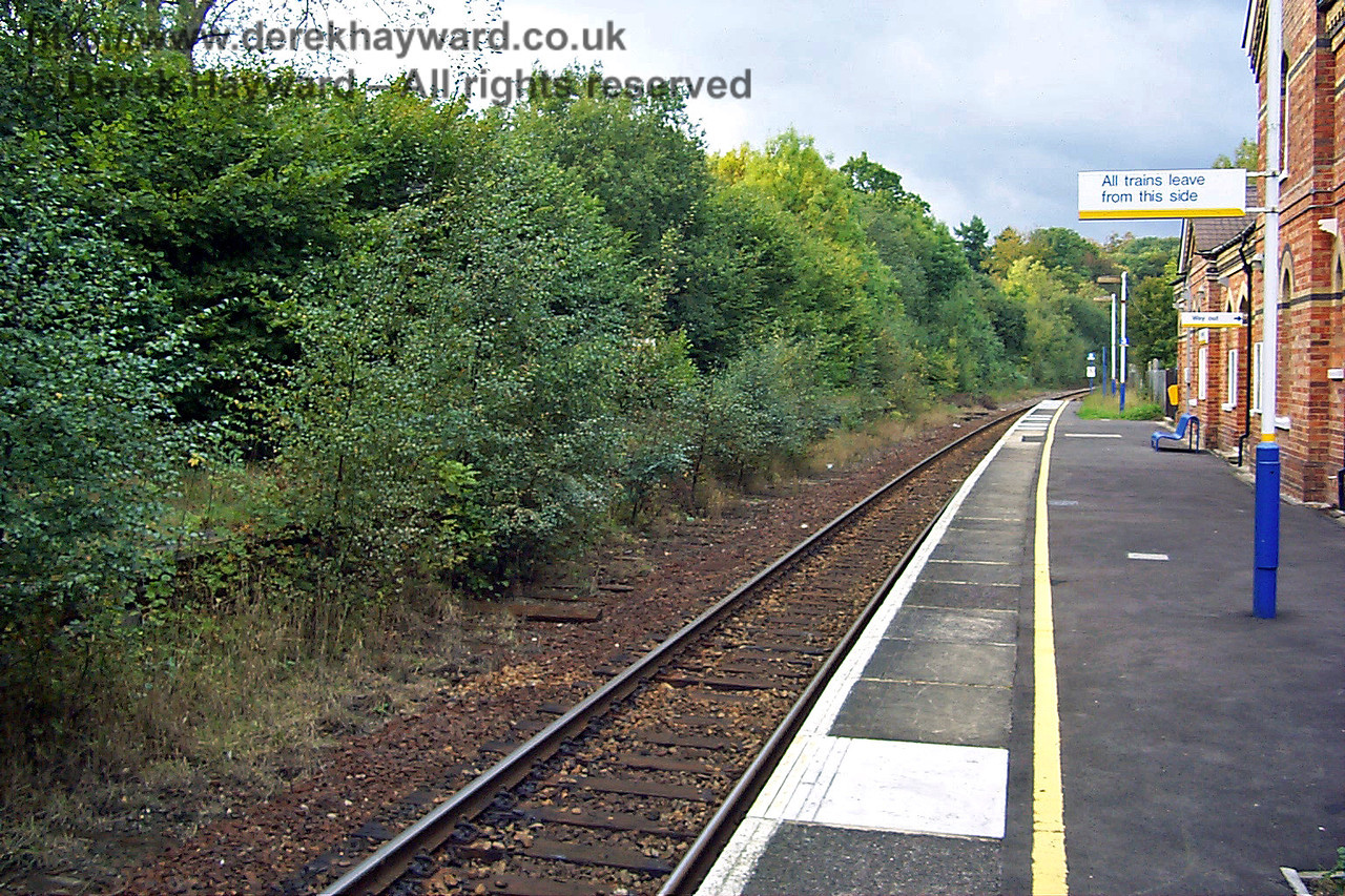 In 1998 the station had probably the most unnecessary sign on the network. Looking at the state of the overgrown northbound platform it is hard to see how anyone could think that it was in use.  Perhaps Cowden was thought to have particularly stupid passengers? 10.10.1998