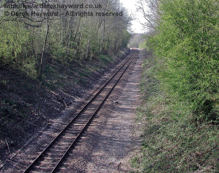 Looking north towards Cowden station from the first overbridge south of the station (Moat Lane Bridge). 18.04.2003