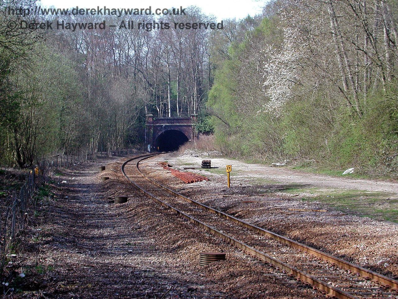 The same view as in the previous picture almost five years later. The adjacent trees have been cut back. The former goods yard is on the right. 18.04.2003
