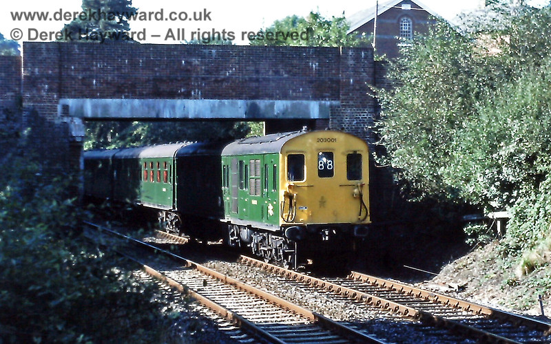 203001 running into Crowborough with the 09 42 ex Uckfield to Oxted, Sat  26 09 1987  This was in use for the East Grinstead line gala day E
