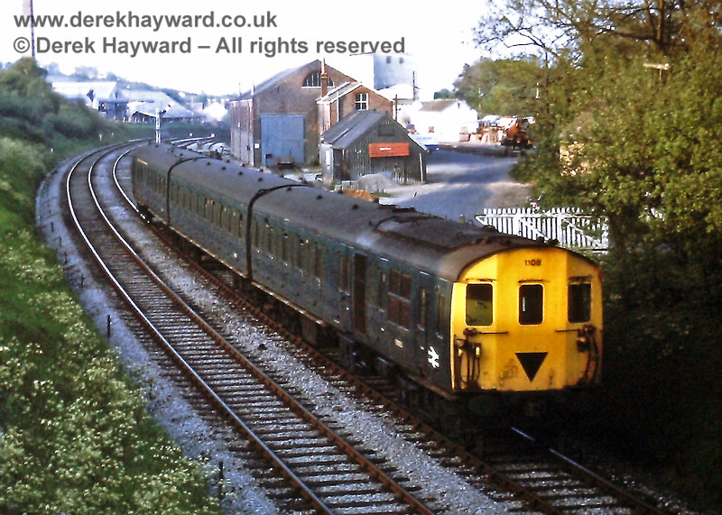1108 leaves Crowborough with the 18 58 ex Oxted, Wed  21 05 1975 E