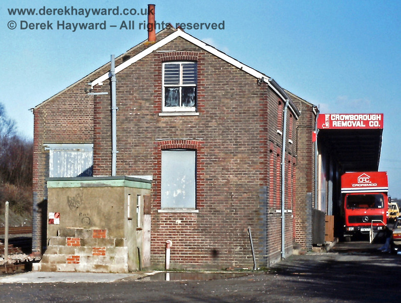 Crowborough goods shed, Jan  1989 E