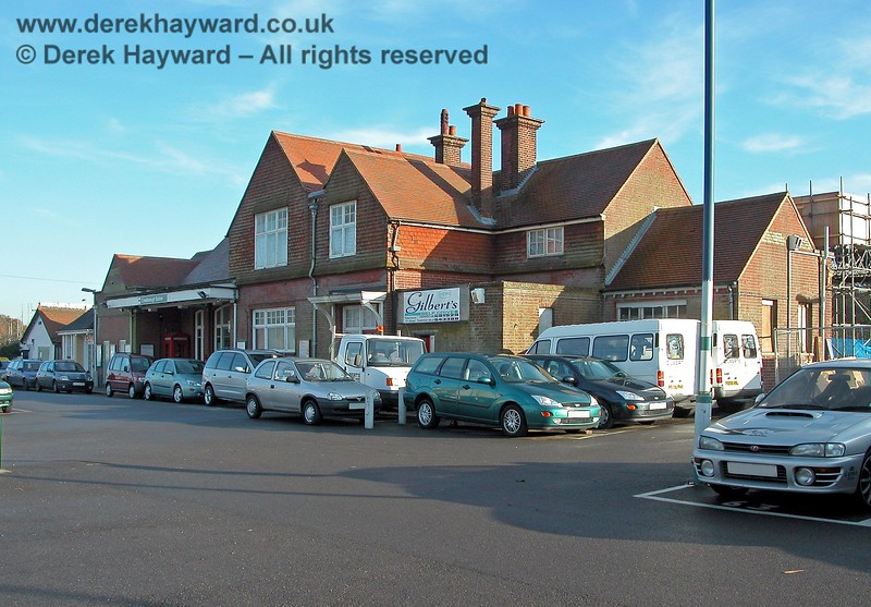 The main entrance to Crowborough Station viewed from the west. The station was named Rotherfield until 1 August 1880, when it became Crowborough. Jarvis Brook was added to the station name in 1897, but this later fell into disuse. 07.12.2005