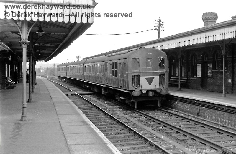 Edenbridge Town with 1316 (in green livery) heading for Uckfield on Saturday 24.05.1969.  Eric Kemp retains all rights to this image.
