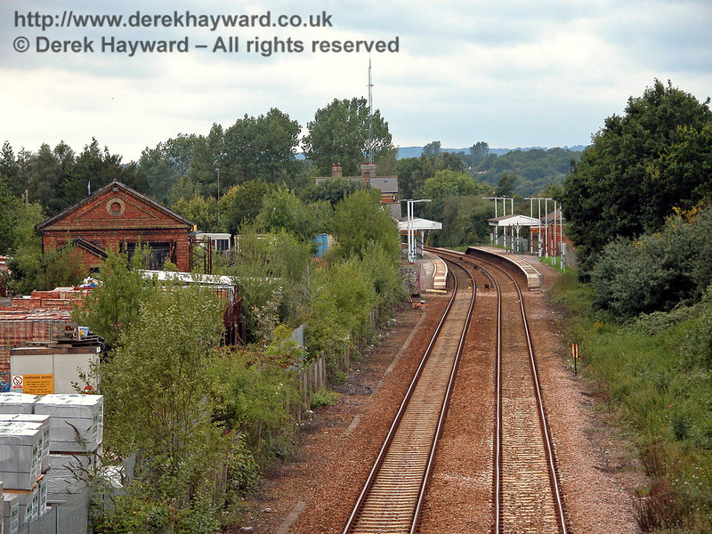 A closer view of Edenbridge Town and the goods shed taken looking north with a longer lens. 14.08.2005
