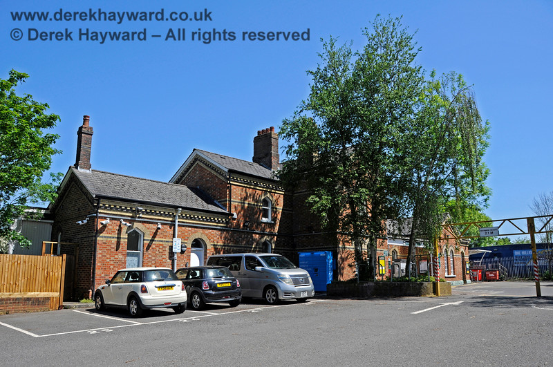 Looking south towards the forecourt of Edenbridge Town station from the car park. 30.05.2021 20730