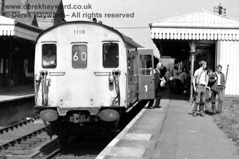 1116 (in blue livery) at Edenbridge Town on the 10:09 service from Victoria on Sunday 13.07.1969.  The train usually ran to East Grinstead but engineering work was blocking the line at Lingfield. Eric Kemp retains all rights to this image.