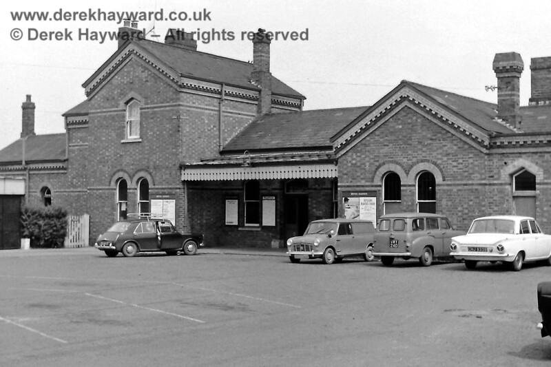 ***GALLERY UNDER RECONSTRUCTION***    There are two stations serving Edenbridge.  The Uckfield line uses Edenbridge Town, which is nearer to the shopping centre. The forecourt is pictured on 24.05.1969.  There is a Mark 1 Ford Cortina on the right.  The white gate gave access to the Station Master's house and garden.  Eric Kemp retains all rights to this image.