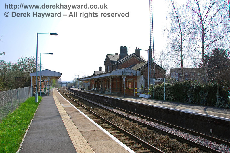 A third view looking south in 2007.  A tactile strip has been fitted along the resurfaced platforms and Southern colours are in evidence, but the canopy clearly did not benefit from repainting. 02.04.2007