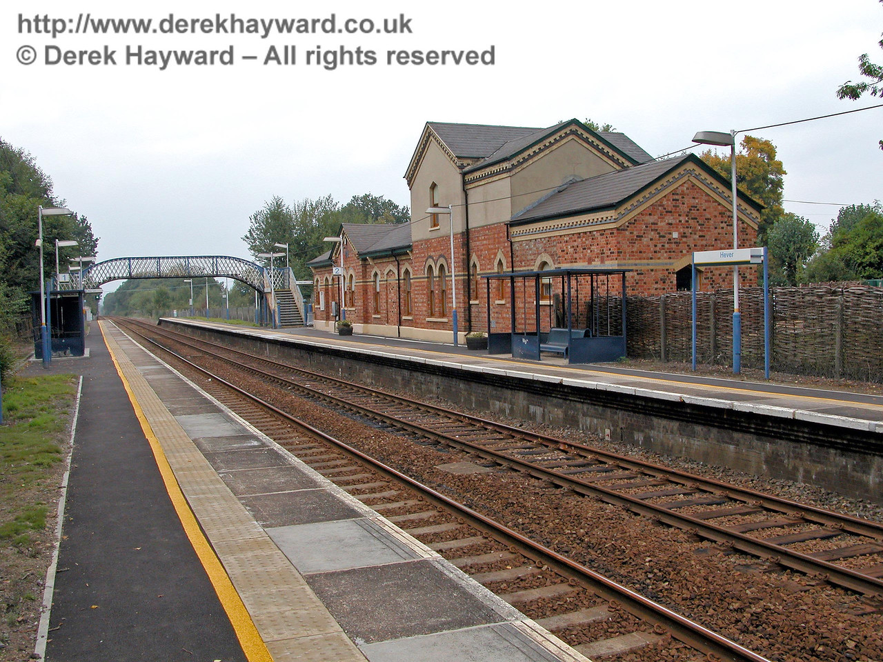 Approximately the same view of the Hever station building taken five years later. 18.09.2003