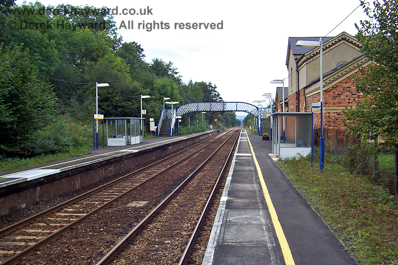 Hever station looking north from the southbound platform. 27.09.1998