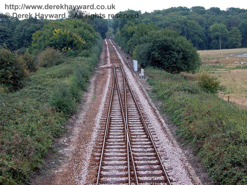 Looking south from the same bridge the points can be seen where the line changes to single track. 18.09.2003