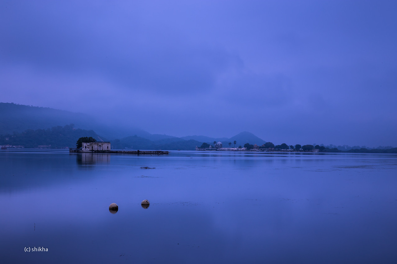 Lake Pichola in morning mist