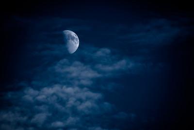 40 Blue moon - 74x103cm Cicléprint with black frame, passepartout and museum glass