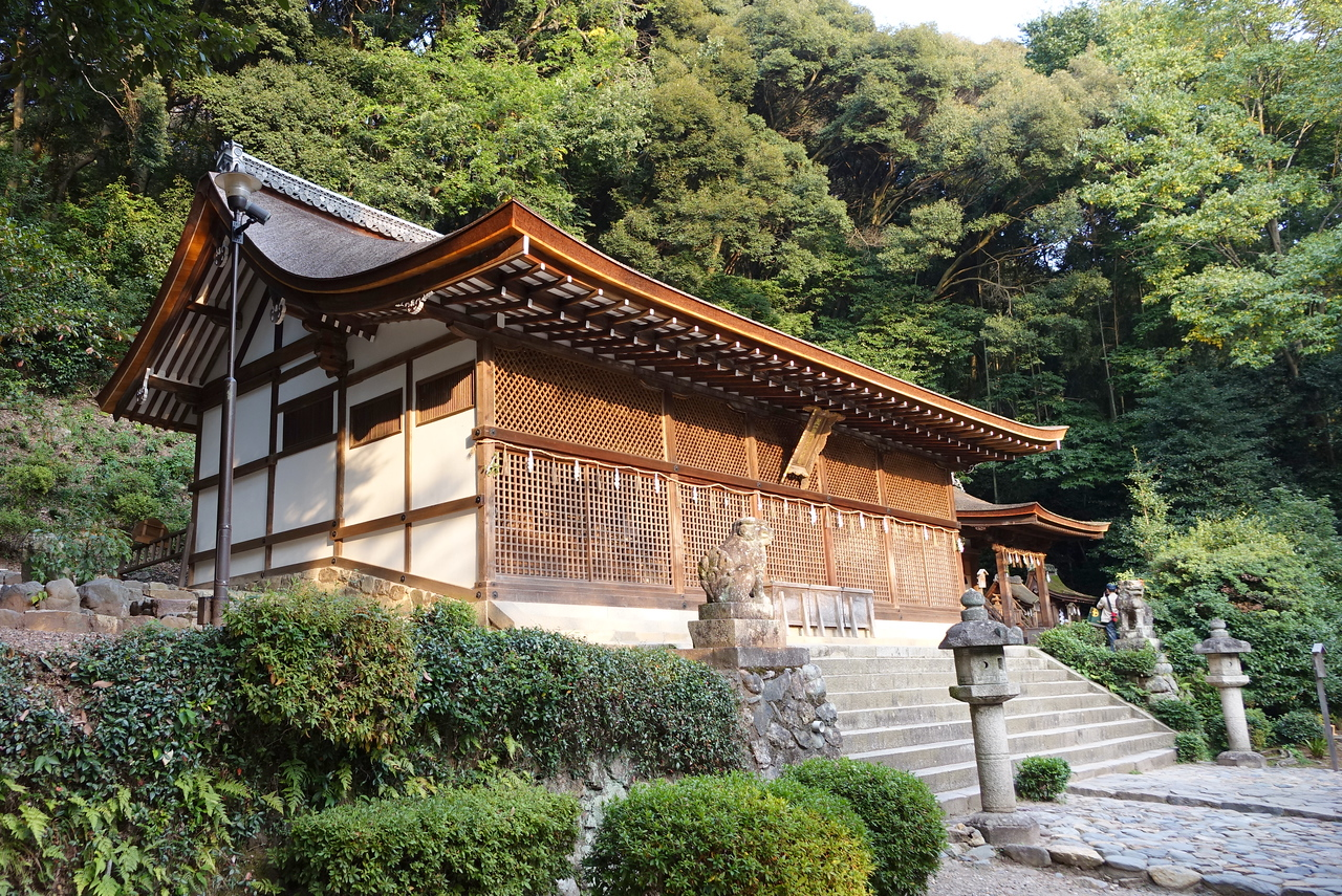 The honden (main hall) of the Ujigami Shrine was built in approximately 1060 and is the oldest original Shinto shrine in Japan