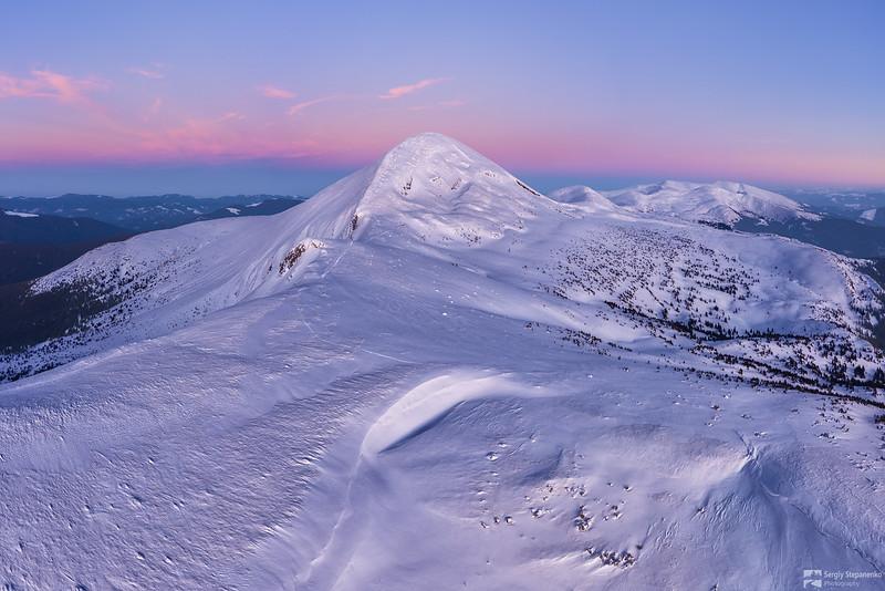 Over the Snowy Hoverla | Над заснеженной Говерлой