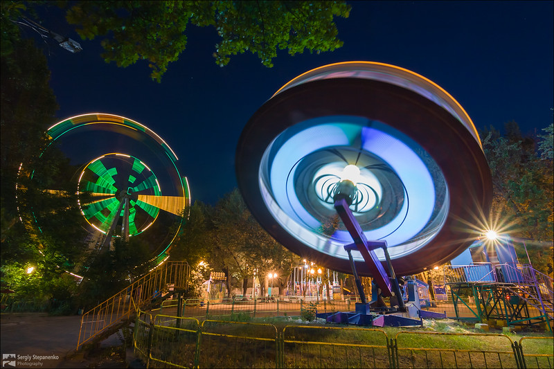 Flying Saucers in the Park | Летающие тарелки в парке