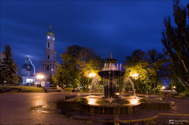 Lightnings in the City Center | Молнии в центре города