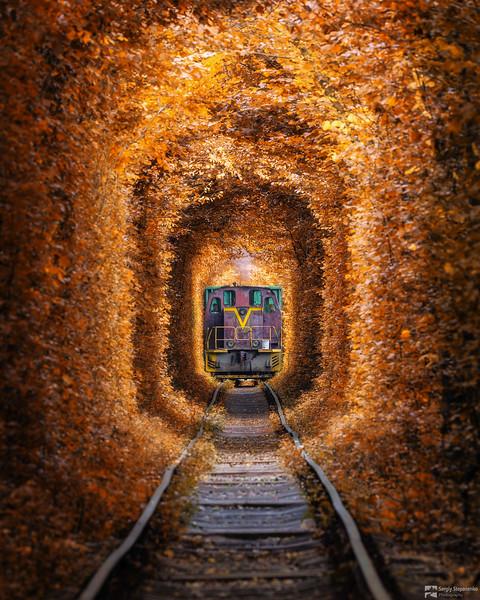 Tunnel of Love and Train | Туннель Любви и поезд