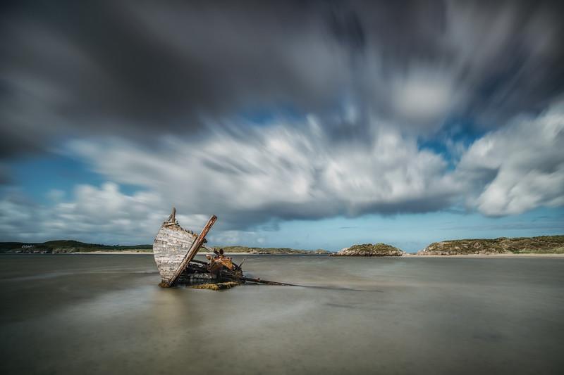 Beached and broken, Cara na Mara