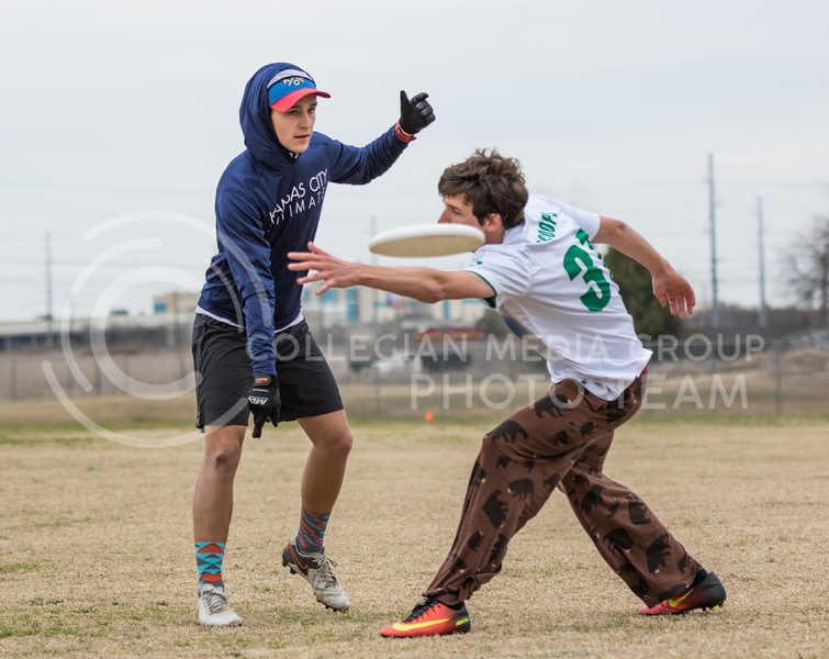 Senior club captain Clayton Smith throws a disc at the K-State Wizards' Ultimate Frisbee tournament in Denton, Texas on Feb. 5, 2017. (John Benfer | Royal Purple)