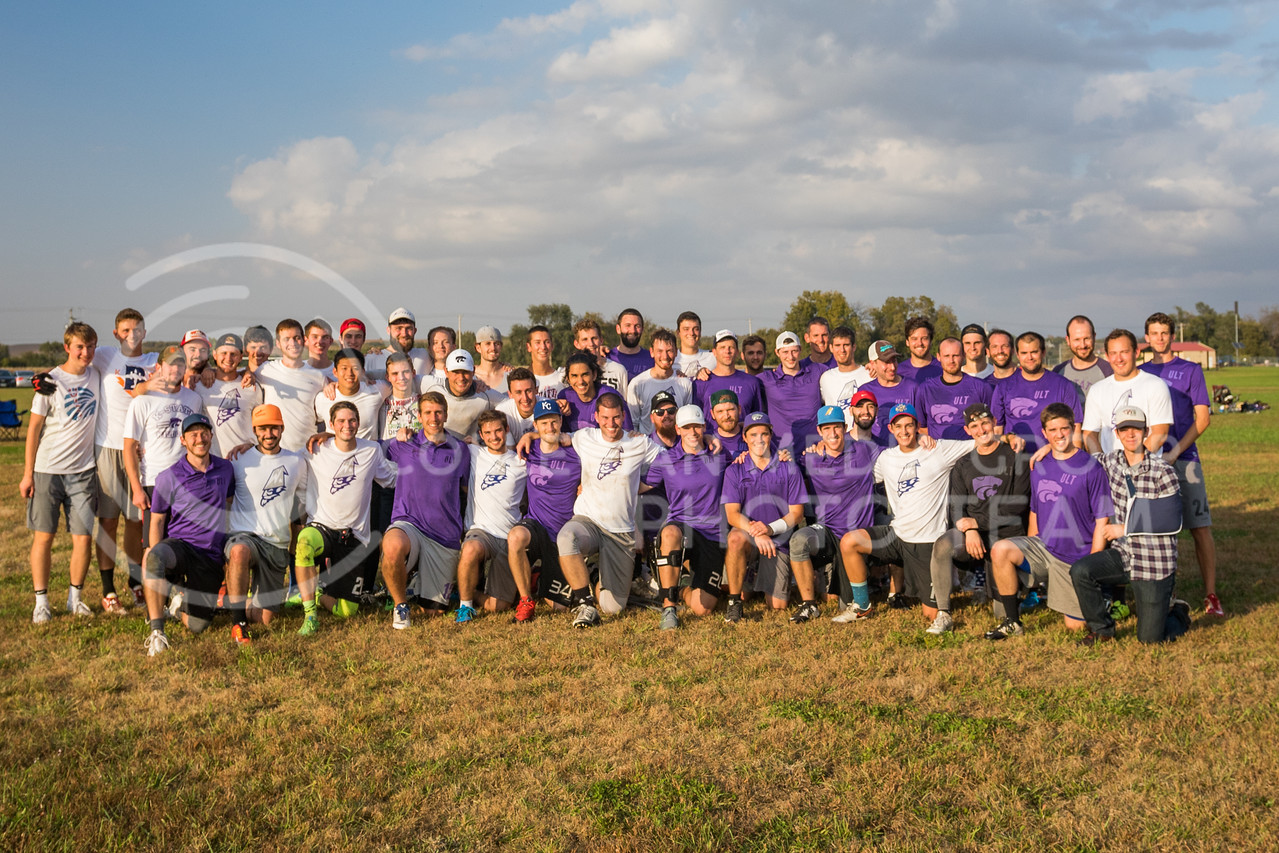 K-State Wizards ultimate frisbee club and K-State Alumni team pose for a group photo after their game in The Manhattan Project tournament in Manhattan, Kansas on Oct. 15, 2016. (John Benfer   Royal Purple)