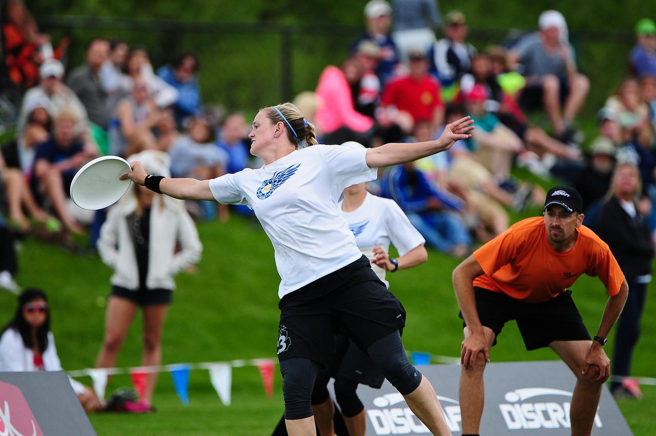 FHI_USAU_2011_Final_Wom_0476