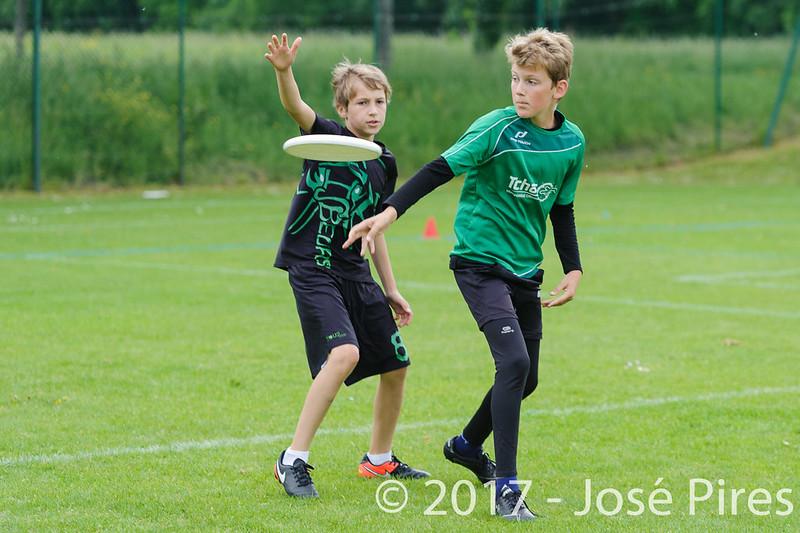 Coupe de France Junior 2017, Saint Sébastien sur Loire, France.<br /> U13. Frisbeurs vs Snap Tchac<br /> PhotoID : 2017-05-13-0049