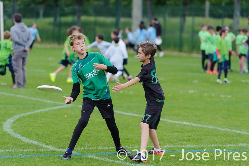 Coupe de France Junior 2017, Saint Sébastien sur Loire, France.<br /> U13. Frisbeurs vs Snap Tchac<br /> PhotoID : 2017-05-13-0053