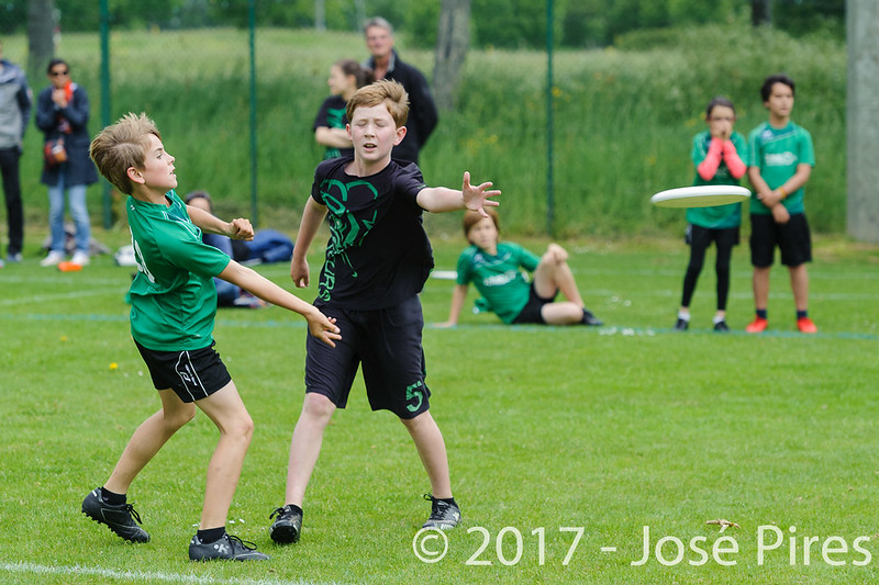 Coupe de France Junior 2017, Saint Sébastien sur Loire, France.<br /> U13. Frisbeurs vs Snap Tchac<br /> PhotoID : 2017-05-13-0035