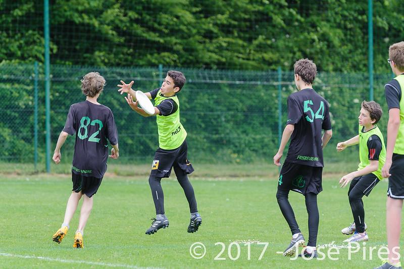 Coupe de France Junior 2017, Saint Sébastien sur Loire, France.<br /> U15. Frisbeurs vs Nuntchac'U<br /> PhotoID : 2017-05-13-0121