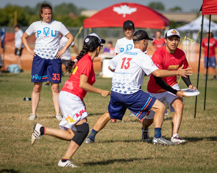 Winnipeg, Canada: Masters Mixed, 2600 vs Penguin Village at WMUCC. July 30, 2018.© 2018 Robert Engelbrecht. All rights reserved