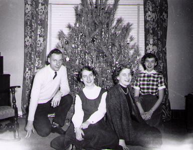1956_01_JanFamilyChristmas