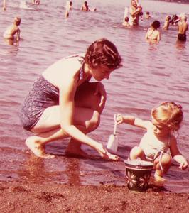 1963_08_beach