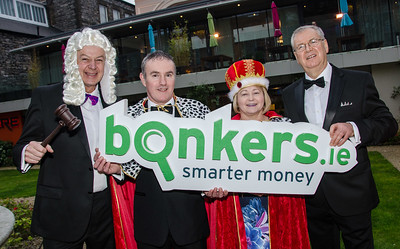 Dublin, 30 March 2017: Pictured at the inaugural bonkers.ie National Consumer Awards are Bobby Kerr (Chair of the Judging Panel); Paul & Helen Dunne from Naas representing the Consumers of Ireland and Joe Duffy, who compèred the event at Dublin's Mansion House