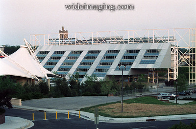 The United States Pavilion still looking usable and fenced off in this April 1989 photo, 7 years after the World's Fair and 2 years before it was demolished.