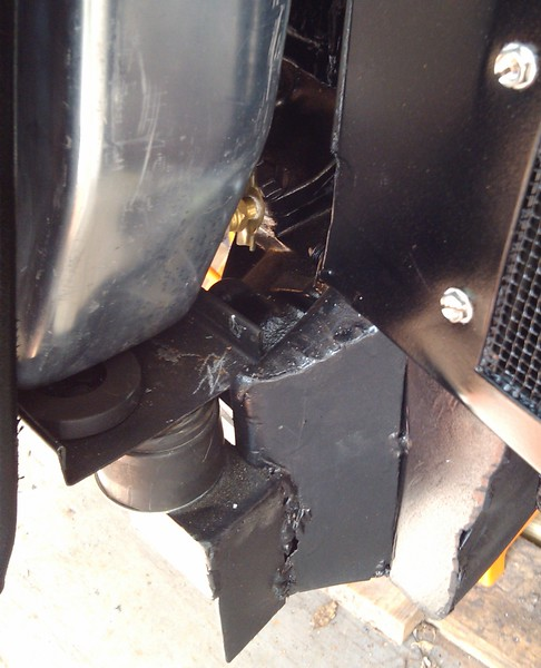 Driver's side radiator mount.