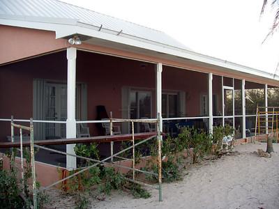 Cayman 2004