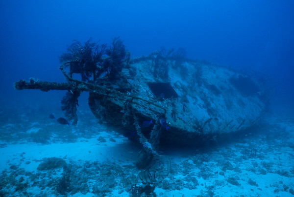 Devil's Table Wreck, Bequia