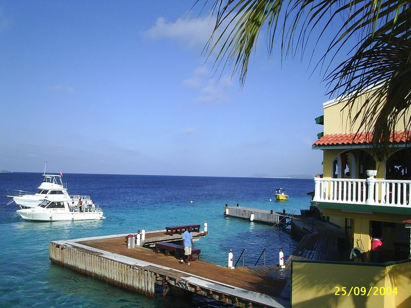 Entry to Buddy Dive Resort's house reef.