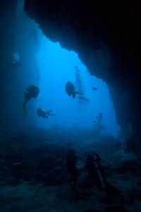 Underwater arch Dos Amigos Grande, Cocos