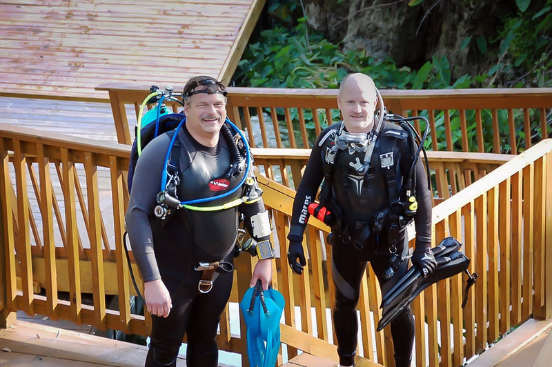 Dave and me after completing dive at 40 Fathoms Grotto - April 2009 (Photo by IVS)