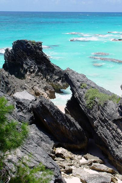 062306_DSC152037 / Lava rock shoreline and hidden lagoon, Chaplin Bay, Bermuda