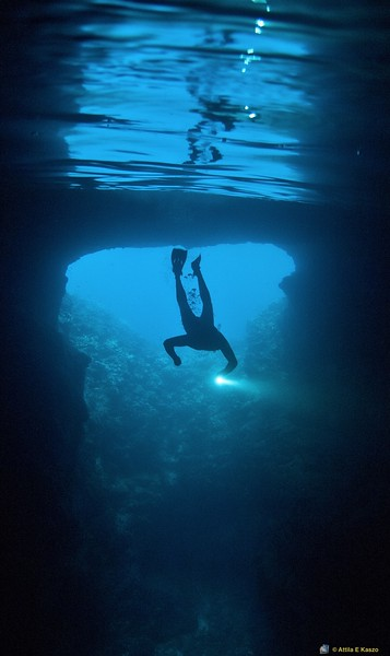 Mariners Cave, Justin Vavau, Tonga