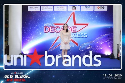 Unibrands-Year-End-Party-2019-instant-print-photo-booth-Chup-hinh-in-hinh-lay-lien-Su-kien-Tat-nien-TP-HCM-WefieBox-Photobooth-Vietnam-226