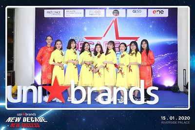 Unibrands-Year-End-Party-2019-instant-print-photo-booth-Chup-hinh-in-hinh-lay-lien-Su-kien-Tat-nien-TP-HCM-WefieBox-Photobooth-Vietnam-215